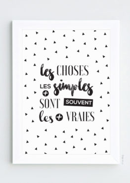 Affiche triangle graphique message motivant