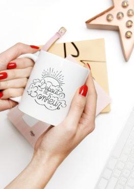 mug debout de bonheur - message positif